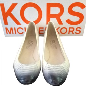 Michael Kors Black And Ivory Flats