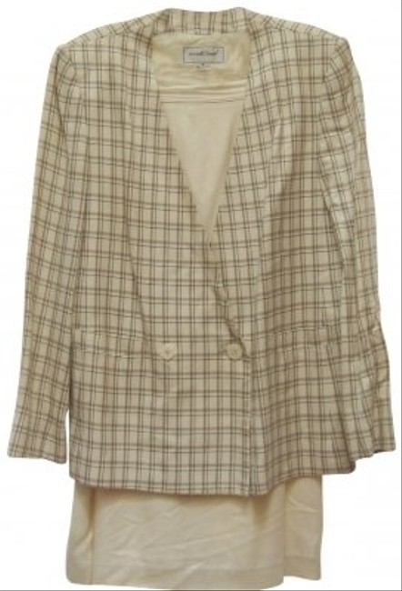 Preload https://item1.tradesy.com/images/michelle-stuart-tan-striped-jacketsolid-all-season-skirt-suit-size-10-m-116915-0-0.jpg?width=400&height=650