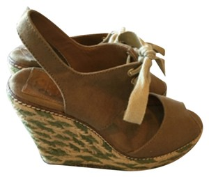 Tory Burch Tan/Green Wedges