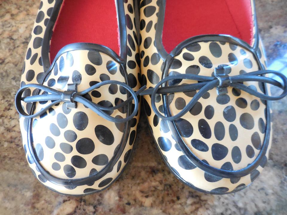 5269197db93 Kate Spade Black and Tan Vintage Leopard Print Rubber Rain Loafers ...