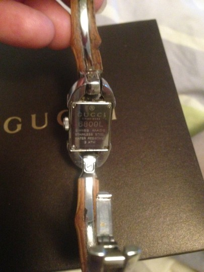 Gucci GUCCI 6800 SERIES LADIES LARGE BAMBOO SWISS QUARTZ WATCH-PRE-OWNED