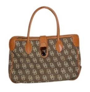 Dooney & Bourke Tote in Olive green & cream