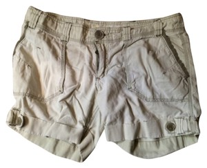 Roxy Cuffed Shorts Light green