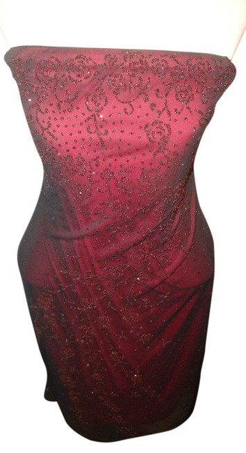 Item - Red with Black Net Overlay Strapless Above Knee Cocktail Dress Size 10 (M)