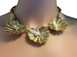 Kate Spade Golden Seashell necklace