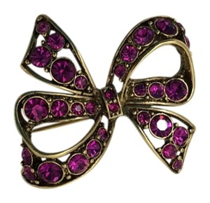 Signed Pink rhinestone pin/brooch