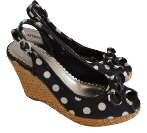 Seychelles Black & White Wedges