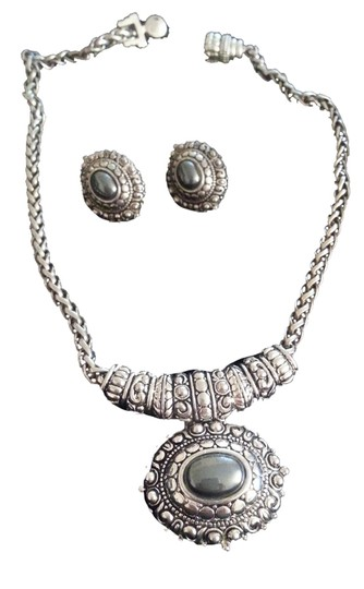 Other Magnetic clasp silver necklace and earring set