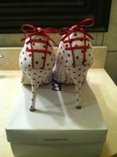 Bakers Perla red/white Pumps