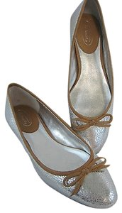 Talbots Ballet Embossed Leather Pebble Silver Flats