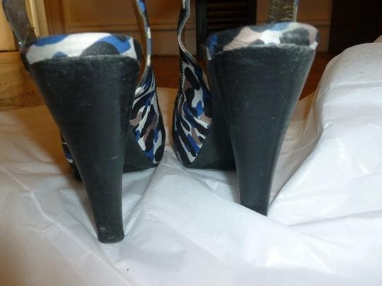 Style & Co Camouflage Blue Black Grey Peep Toe Multi Camouflage Pumps