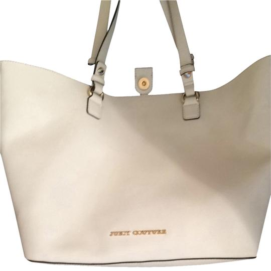 Preload https://img-static.tradesy.com/item/1171765/juicy-couture-white-hobo-bag-0-0-540-540.jpg
