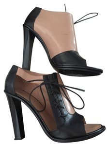 Cline Heels Beige/black Pumps