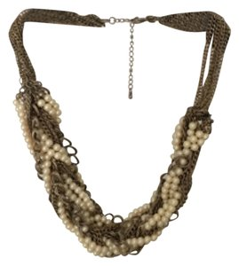 Pearl and metal necklace