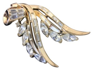 Albert Trifari signed Marquise Swarovski Prong Set Brooch signed Trifari