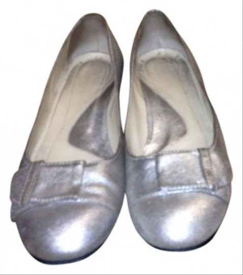 Preload https://item3.tradesy.com/images/faconnable-silver-flats-size-us-8-117237-0-0.jpg?width=440&height=440