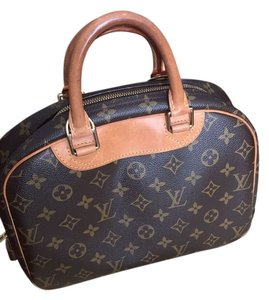 Louis Vuitton Deauville Monogram Canvas Satchel in Monogram Canvas