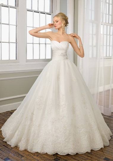 Mori Lee Ivory Satin Organza and Lace 1657 Formal Dress Size 10 (M)