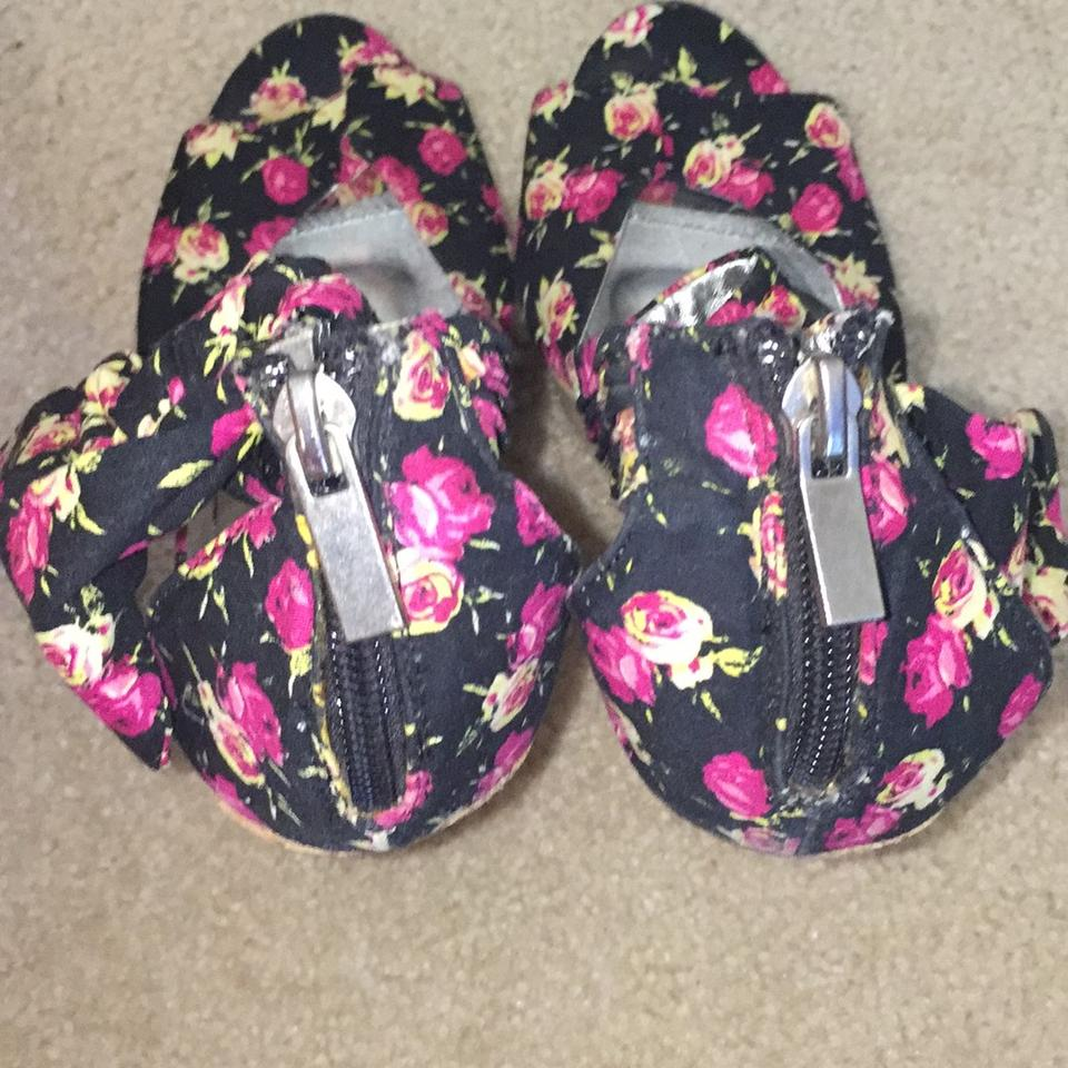 Bamboo black pink flowers and cork boutique wedges size us 8 regular bamboo black pink flowers and cork wedges 1234567891011 mightylinksfo