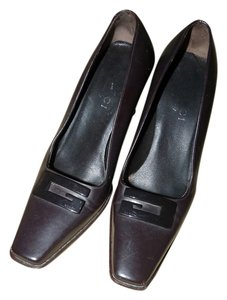 Gucci Logo Sophisticated Brown Pumps