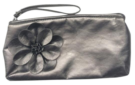 Sephora Wristlet in Grey Metallic