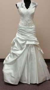 Sottero and Midgley Diamond White Satin Lace Chantilly Asm3629 Modern Wedding Dress Size