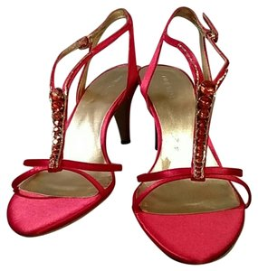 Nine West Diamond Satin Red Formal