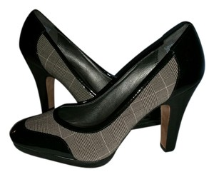 CIRCA Joan David Black Patten/Gray Checkered Pumps