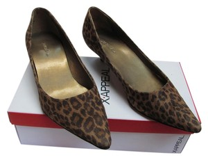 X-APPEAL Size 8.00 M Very Good Condition Animal Print Light Brown, Dark Brown Pumps