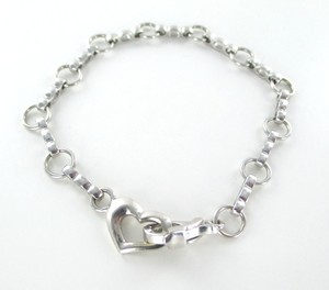 14KT Solid White Gold Bracelet with a Heart Clasp