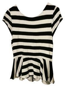 Alice + Olivia T Shirt black and white striped