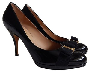 Salvatore Ferragamo Ribbon Bow Patent Leather Tina Black Pumps