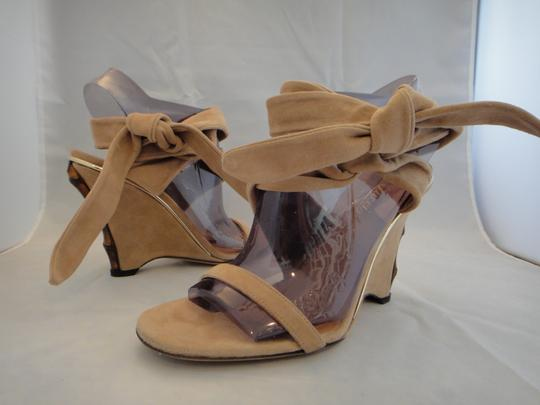 Gucci Suede Leather Italian DK NUDE Wedges