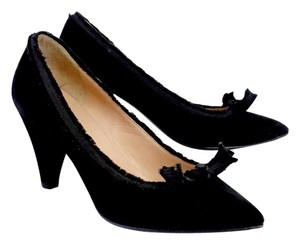 Marc by Marc Jacobs Suede Bow Heels Black Pumps