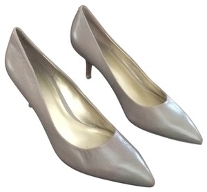 Nine West Taupe Pumps