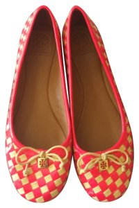 Tory Burch Hot pink Flats