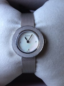 Gucci 27 Mm Gucci Uplay NEW With Diamond And Mother Pearl Dial