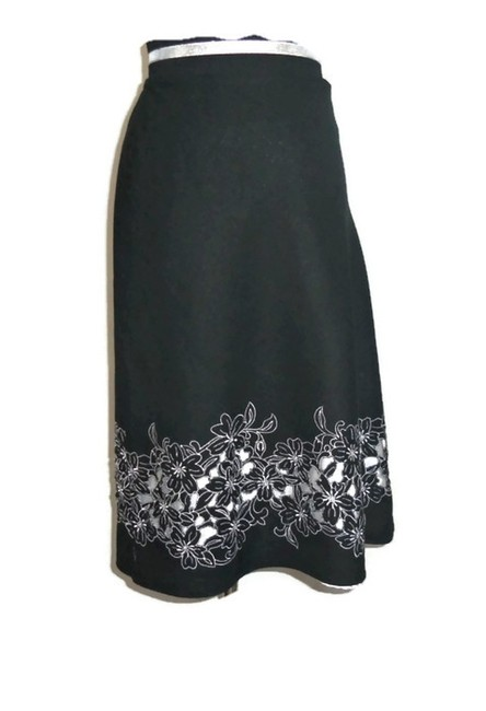 Item - Black and White Floral Skirt Size 18 (XL, Plus 0x)
