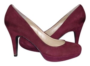 Marc Fisher burgundy suede Pumps