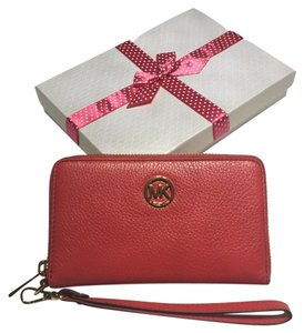 Michael Kors Michael Kors LG Flat Fulton ZA iPhone 6 Plus Electronics Wristlet Watermelon Leather