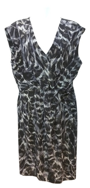 Item - Black and Gray Knotted Sheath Mid-length Short Casual Dress Size 12 (L)