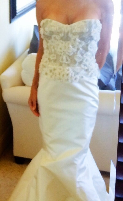Item - Ivory Silk Feminine Wedding Dress Size 0 (XS)