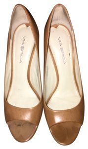 Via Spiga Tan Pumps