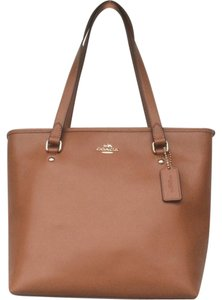 Coach New With Tags Nwt Tote in Saddle