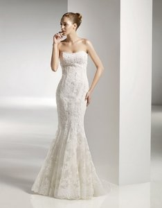 Anjolique Ivory 2056 Wedding Dress Size 8 (M)