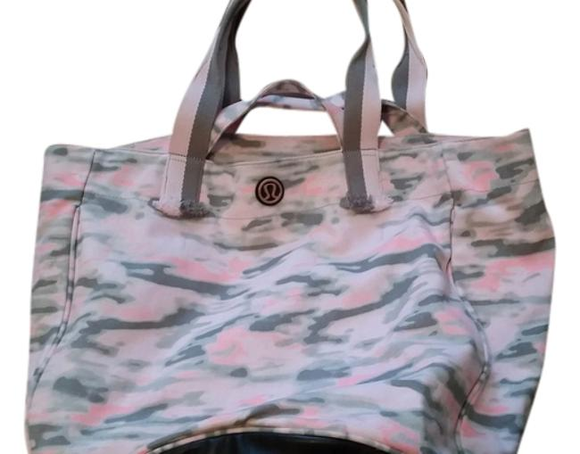 Item - Athletic Workout Beach Pink and Grey Canvas Shoulder Bag