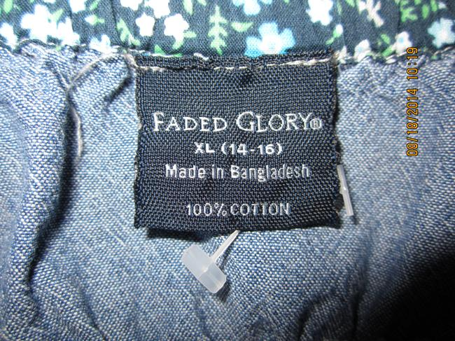 Faded Glory Feminine A Lil Country Sweet Top Jean W/Navy flower print underneath