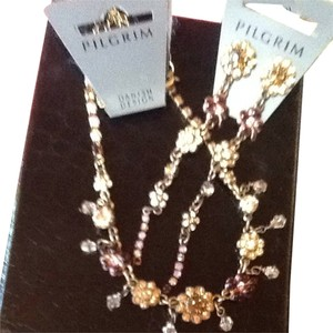 Other Pretty Pilgrim Necklace And Earring Set