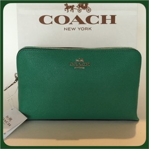 Coach Jade/Green Clutch