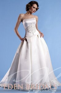 Eden 2235 Wedding Dress